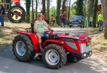 Traktor49DSC_1827-copy