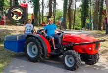 Traktor52DSC_1833-copy
